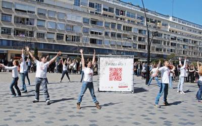 Cube d'exposition en bâche tendue - Campagne promotionnelle Valenciennes
